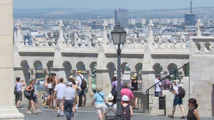 Egyre több hazai vendég fedezheti fel újra Budapestet
