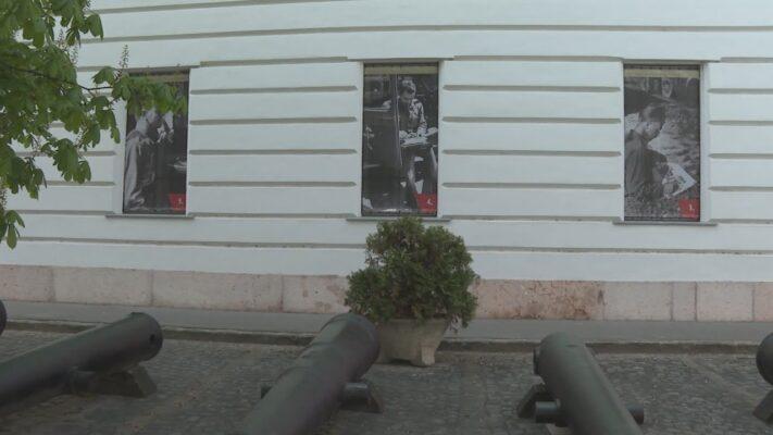 Eddig nem látott haditudósítói képekből nyílt szabadtéri kiállítás