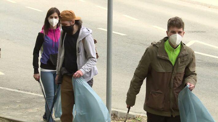 Önkéntes akció - Erdőtakarítást tartottak a Tündér-szikla környékén